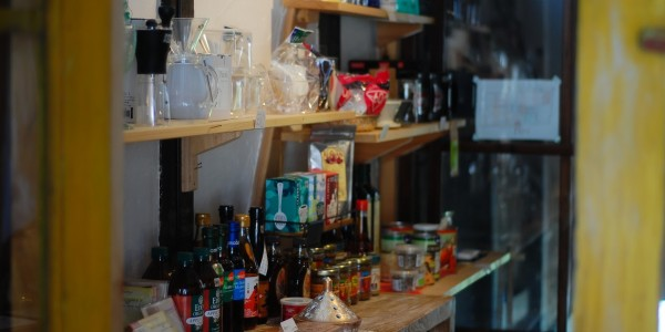 かぴばらで販売している調味料たち。 私の食卓とつながっているもの。  写真は常連さんのO君が撮ってくれました。